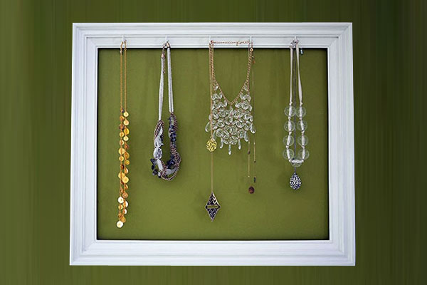 DIY Necklace Holder Picture Frame - Mommy Scene