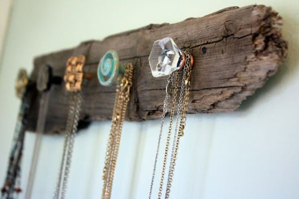 DIY Jewelry Holder with decorative knobs - Mommy Scene