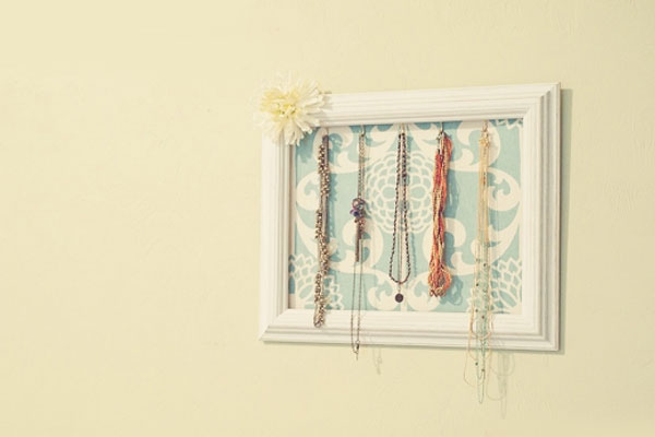 DIY Necklace Holder Ideas - Mommy Scene