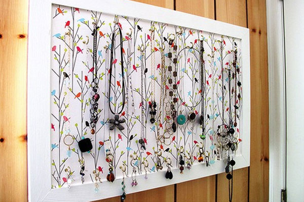 DIY Jewelry Holder Board - Mommy Scene