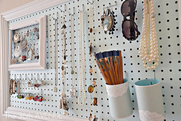 DIY Necklace Holder Peg Board - Mommy Scene