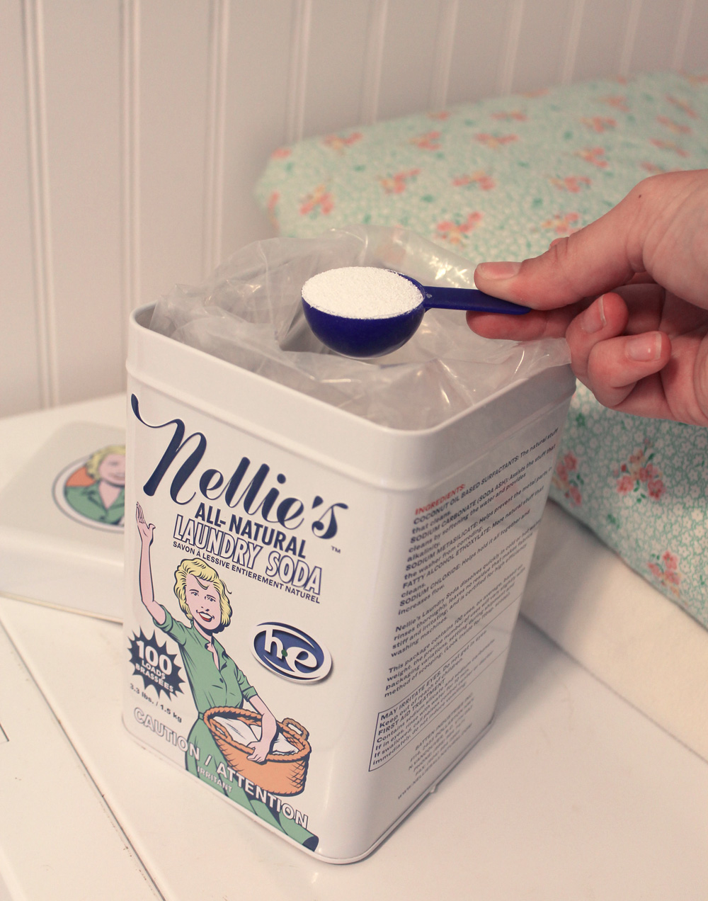 Nellie's 100-load Washing Soda tin