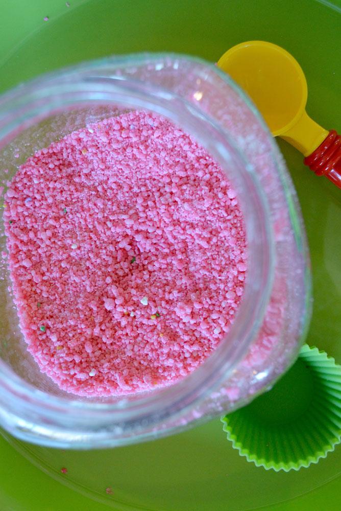 Mommy Scene - Fun Sugar Sand activity for kids