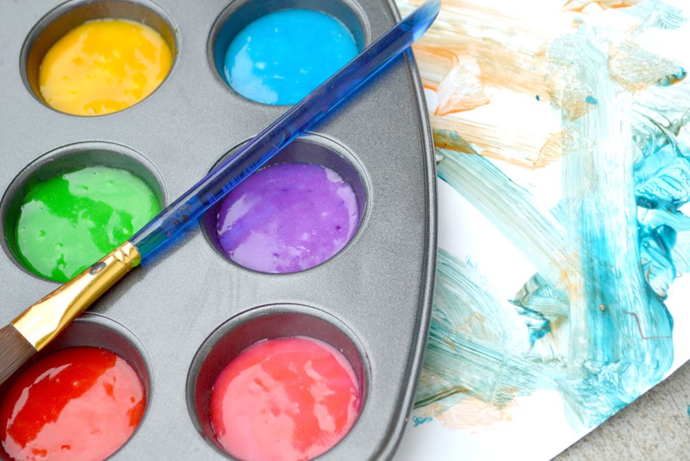 Fun and colorful DIY homemade fingerpaint