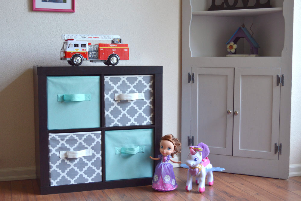 Organize Clutter with Cube Storage - Mommy Scene