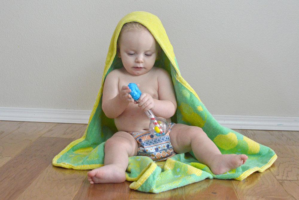Soft Organic Breganwood hooded towel for babies - Mommy Scene