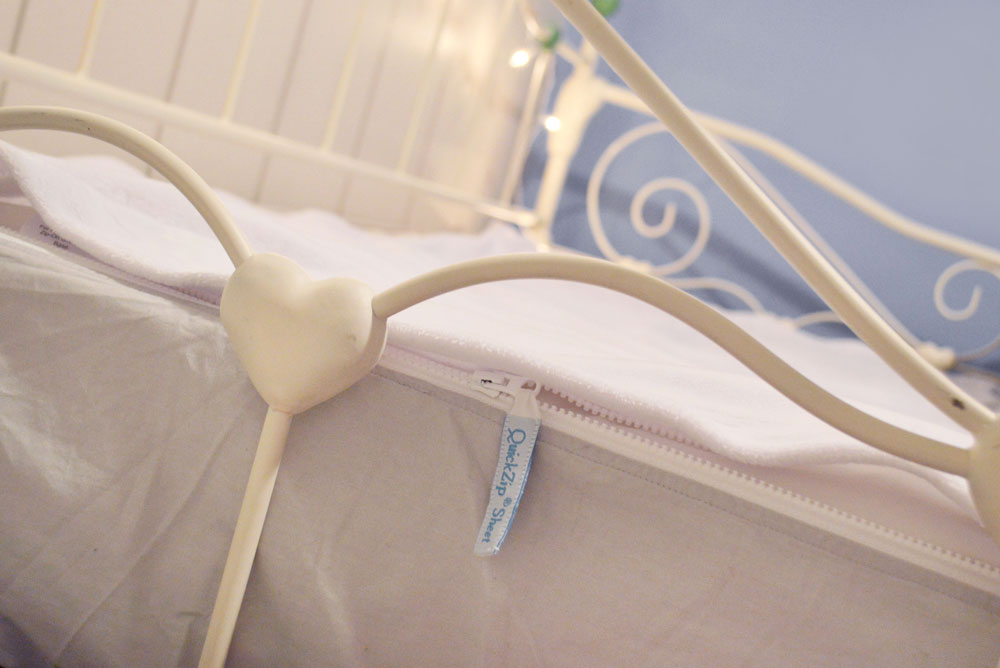 QuickZip kids zip-on sheets - Mommy Scene