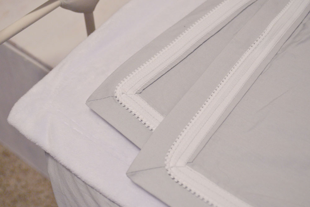 QuickZip sheets make changing bed sheets easy - Mommy Scene