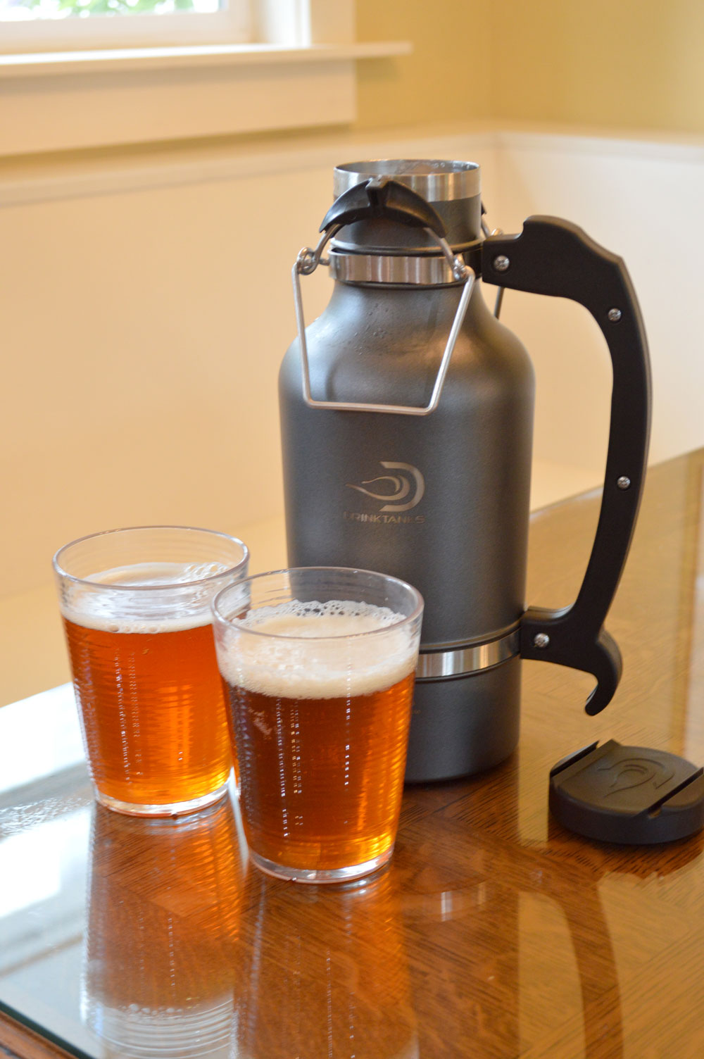 DrinkTanks Personal Growler is carbonation friendly - Mommy Scene review