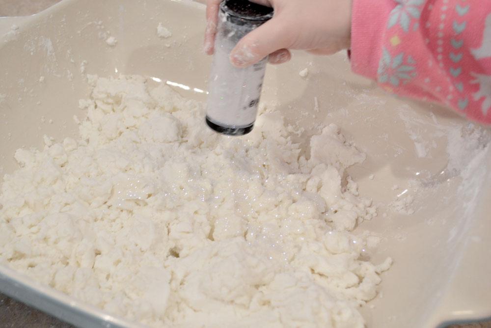 DIY Sensory Glitter Snow - Mommy Scene
