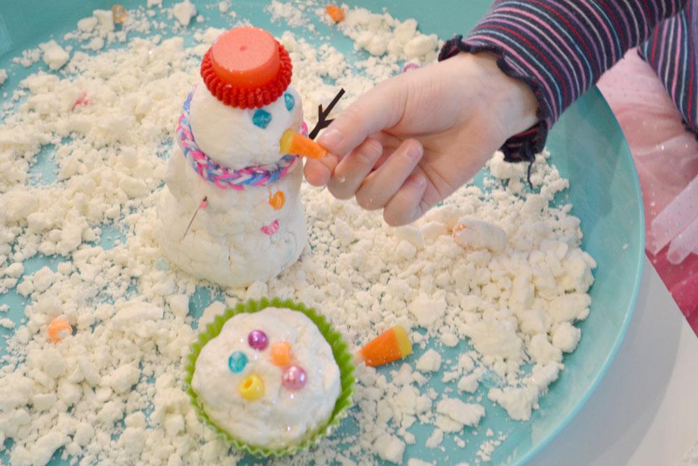 DIY sensory snowman activity - Mommy Scene