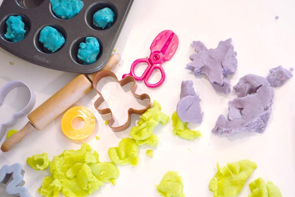 Homemade playdough preschool activity - Mommy Scene