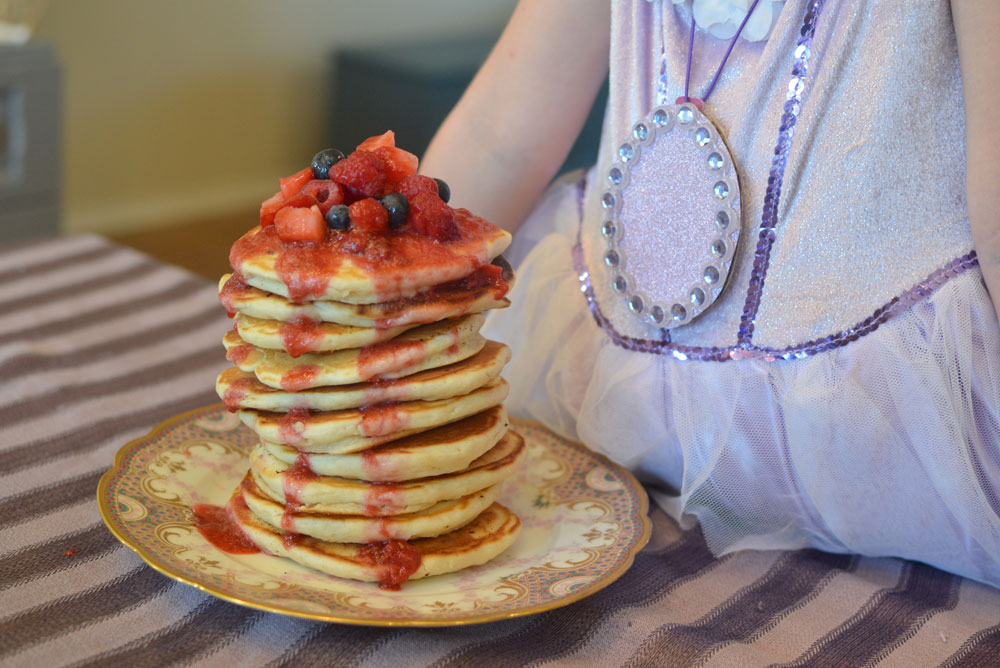 Dress up and enjoy Sofia the First Goldenberry Pancakes - Mommy Scene