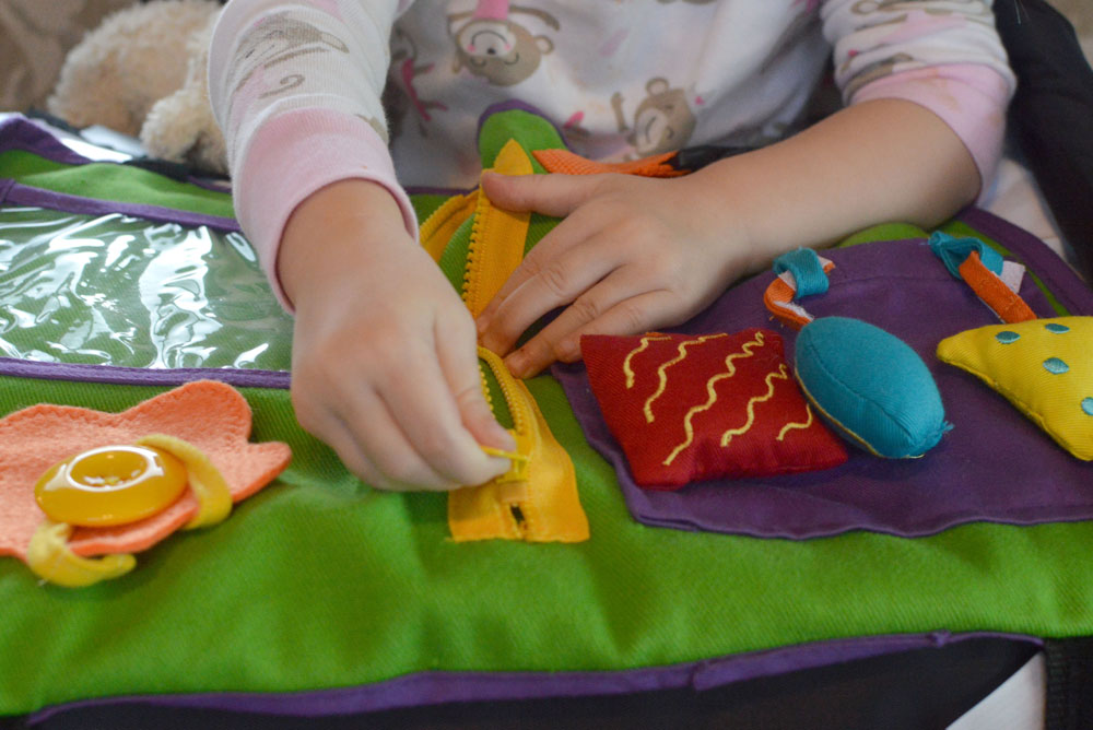 Star Kids Products Play n Go interactive play mat - Mommy Scene