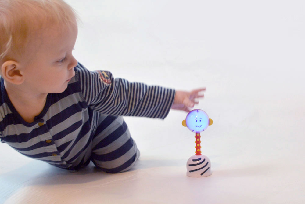 Smart Noggin Toys Light Up Nogginhead Rattle