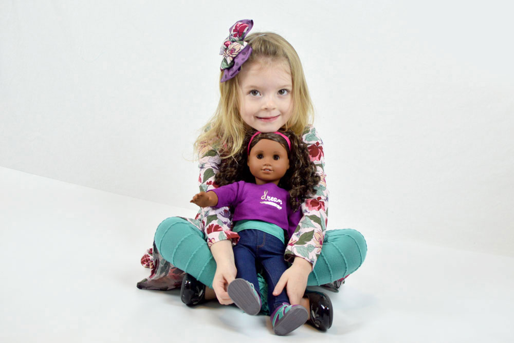 American Girl Gabriella unboxing 2017 Girl of the Year - Mommy Scene