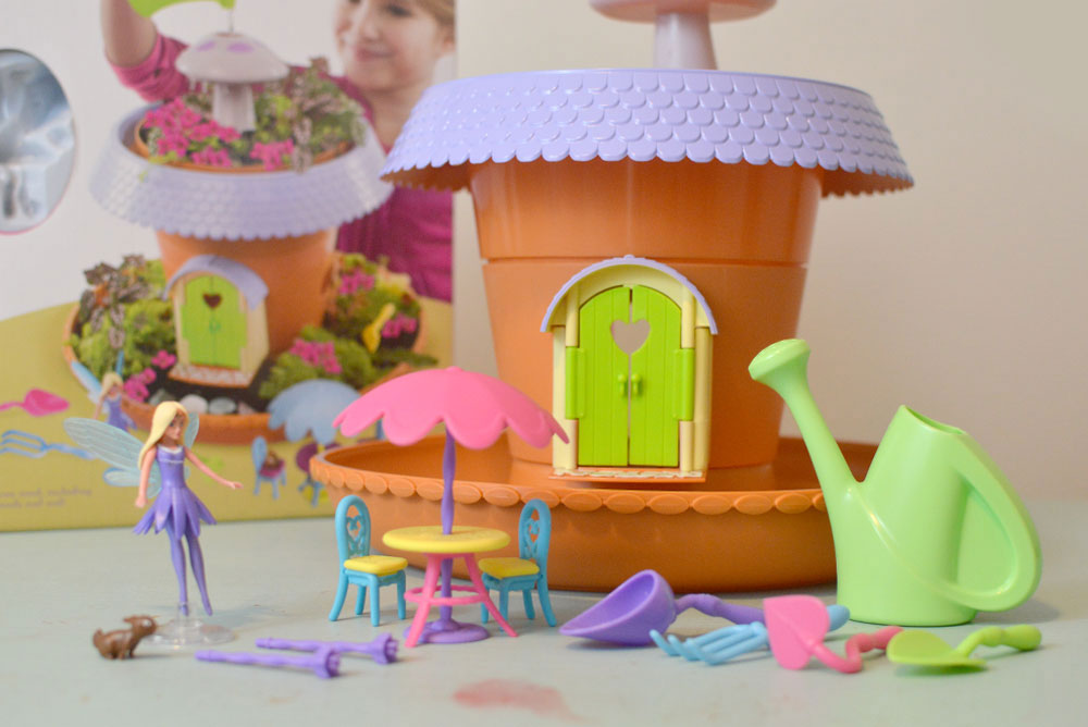 Playmonster Fairy Garden play set for kids - Mommy Scene