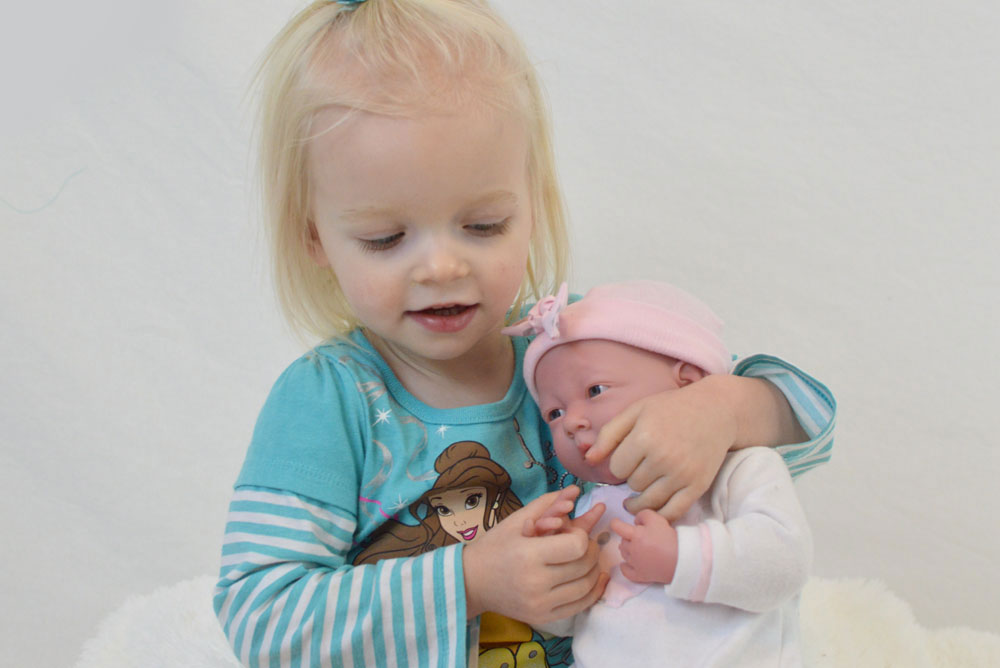 La Newborn realistic baby doll - Mommy Scene