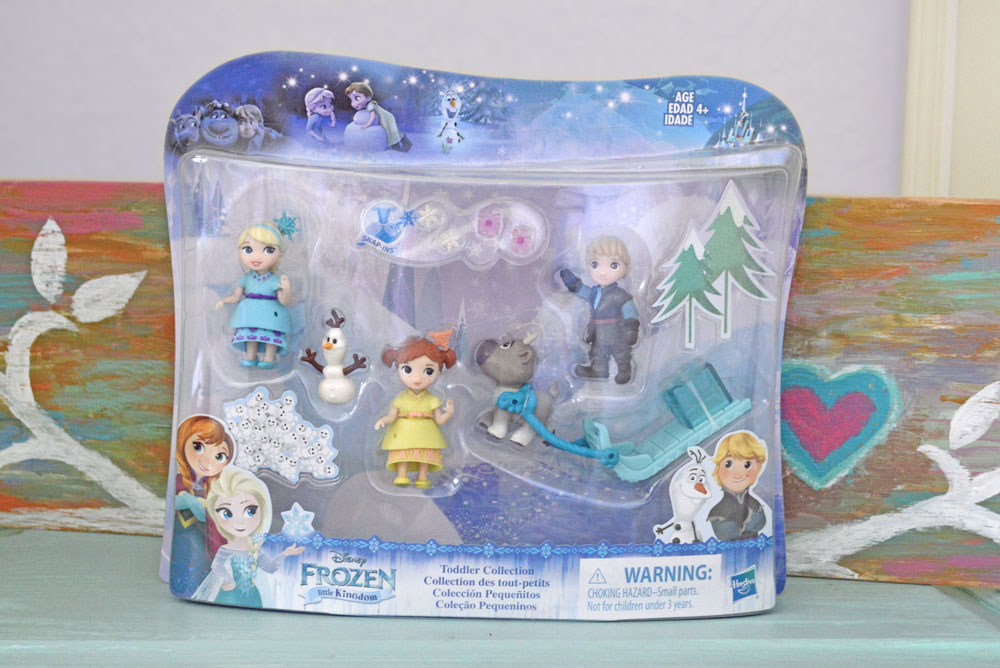 Disney Little Kingdom Frozen Anna and Elsa play set for kids - Mommy Scene