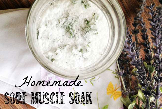 /images/0117-Fun-and-practical-ways-to-pamper-mom-mommy-scene-diy-homemade-sore-muscle-bath-soakf.jpg