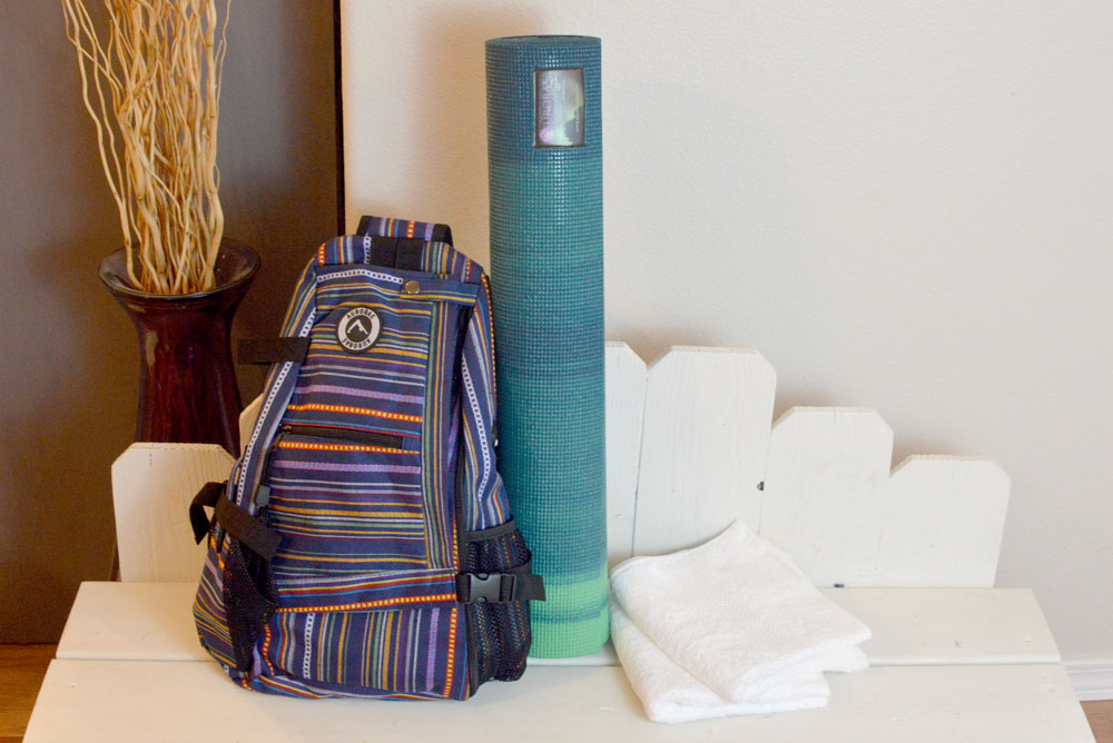 Moms' Christmas Gift List - Aurorae Yoga Gear - Mommy Scene