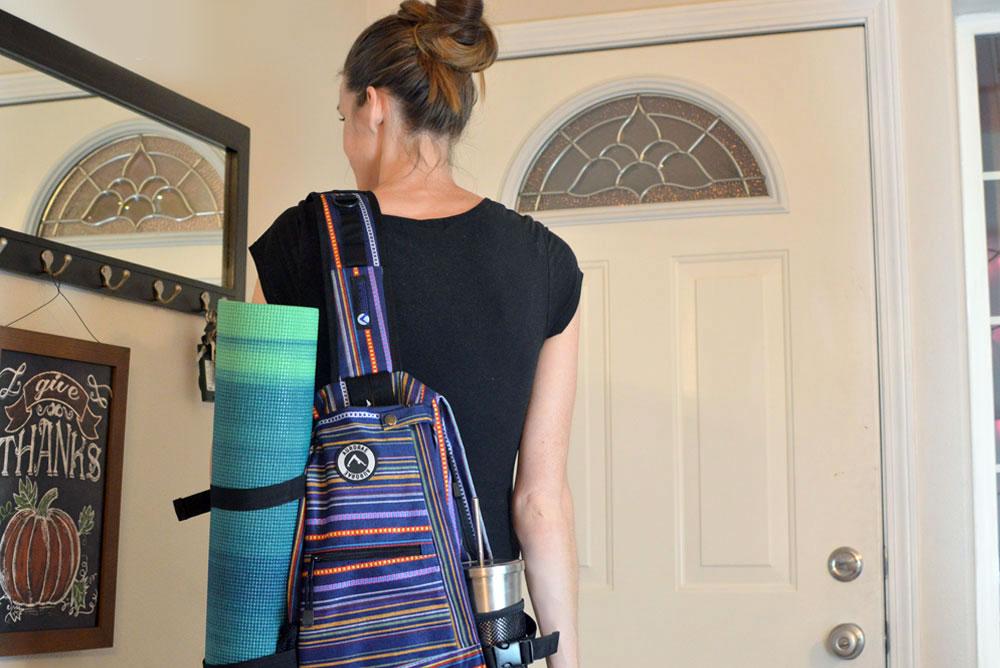 Aurorae yoga mat and sling backpack - Mommy Scene