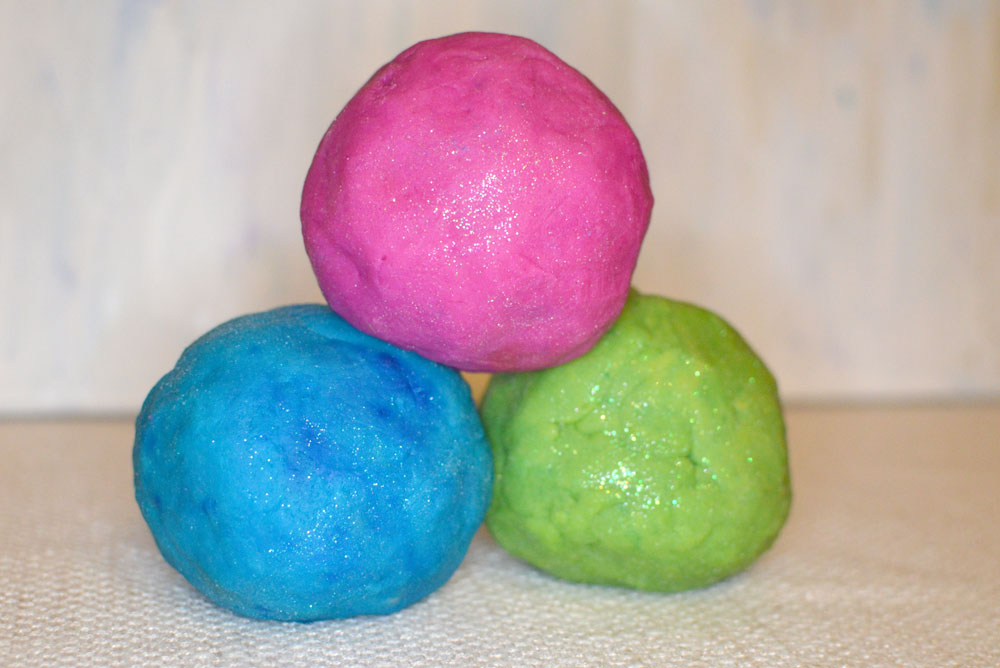 Homemade Scented Sparkle Playdough - Mommy Scene