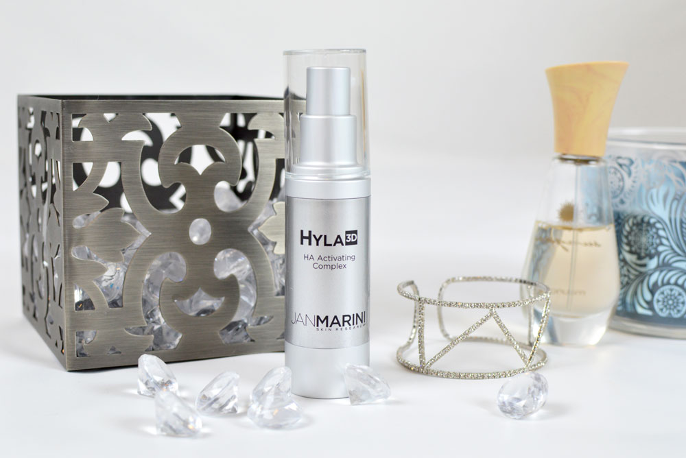 Hyla3D HA Activating Complex helps rejuvenate your skin and reduce fine lines - Mommy Scene review