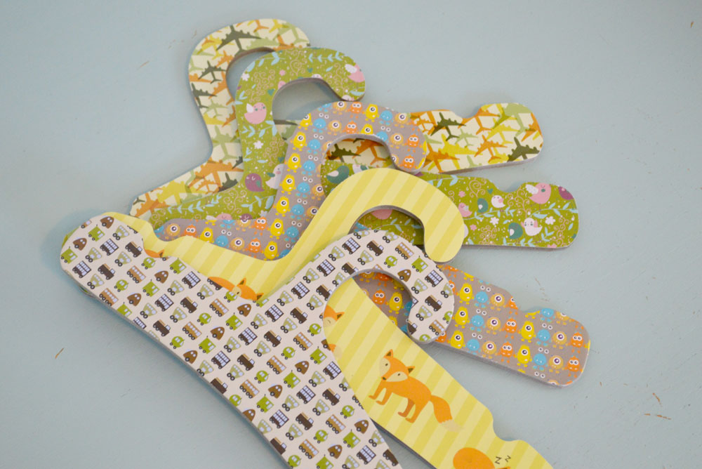 Little Dundi recycled hangers for eco-friendly closets - Mommy Scene review