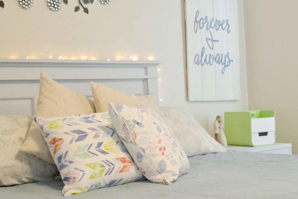 Moms' Christmas Wish List - Custom printed designer throw pillows from Minted - Mommy Scene