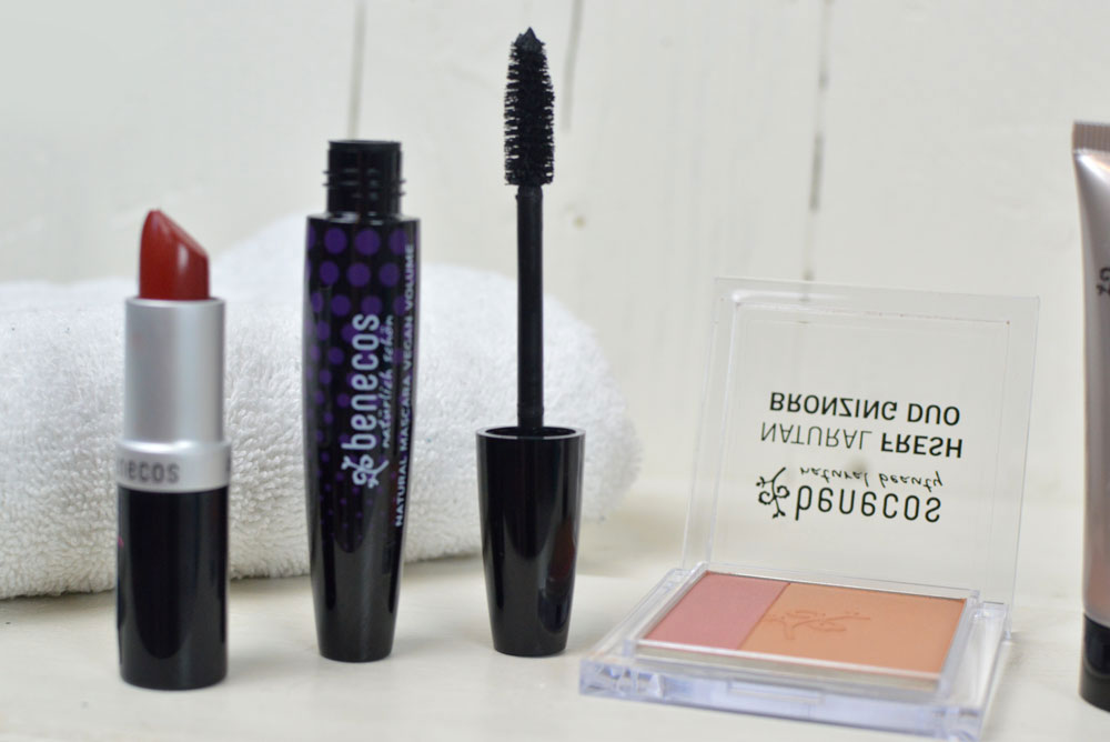 Mommy Fashion Basics and Benecos makeup with natural ingredients - Mommy Scene