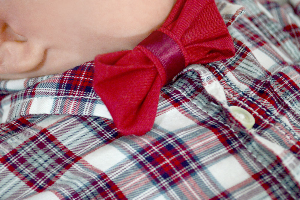 Easy ribbon bow tie accessory - Mommy Scene