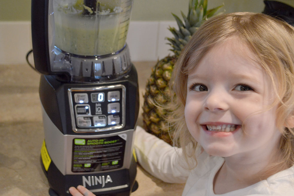 Nutri Ninja Auto-iQ Compact System is powerful and easy to use - Mommy Scene review
