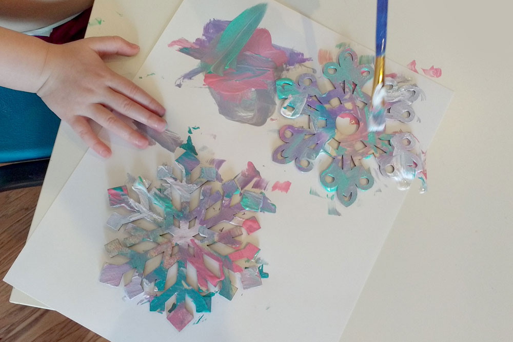 Easy Painted Wooden Snowflakes - Mommy Scene