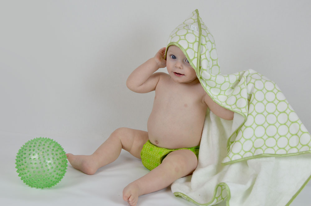 SwaddleDesigns hooded towels for kids - Mommy Scene
