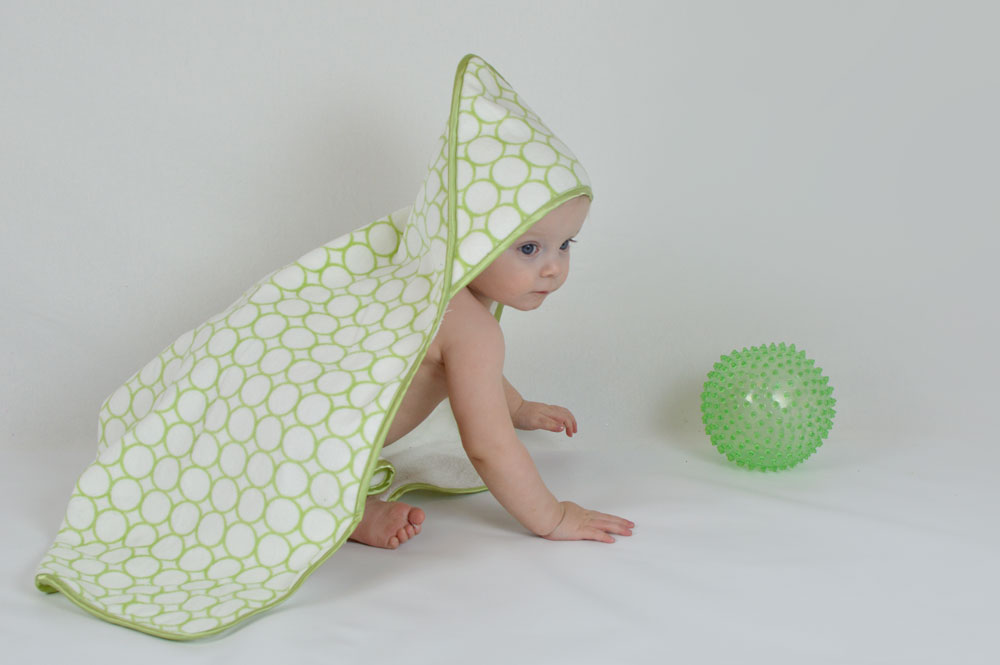 SwaddleDesigns hooded towels for babies - Mommy Scene