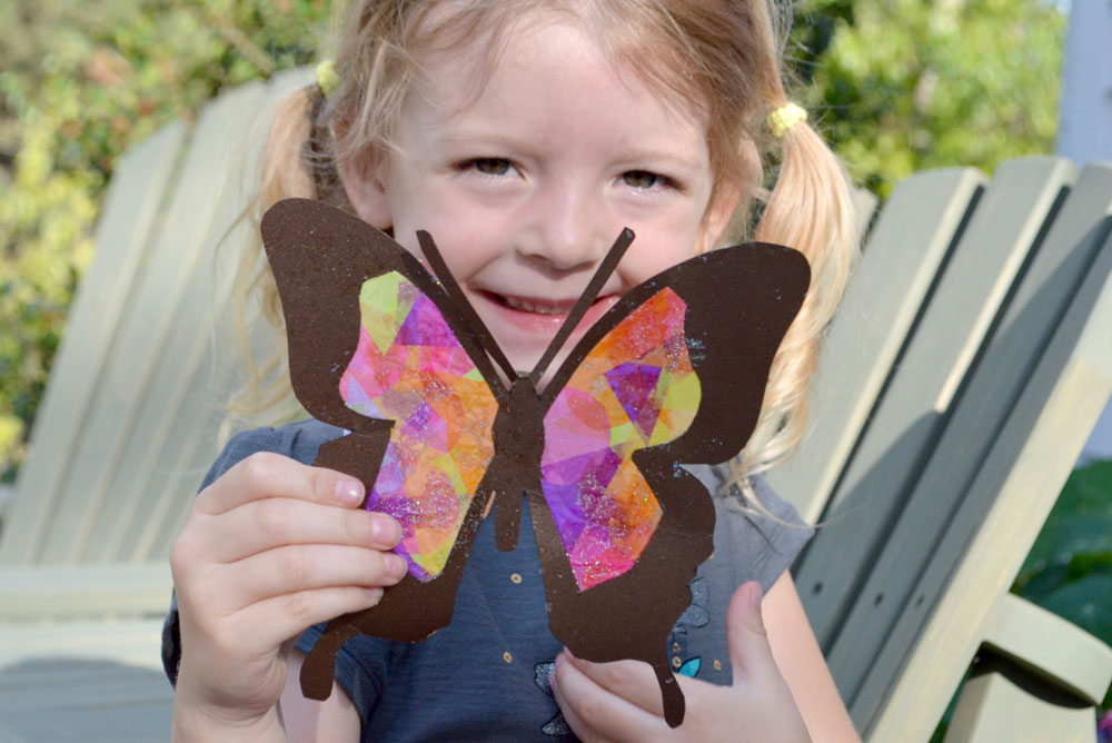 Kids activity butterfly suncatchers - Mommy Scene