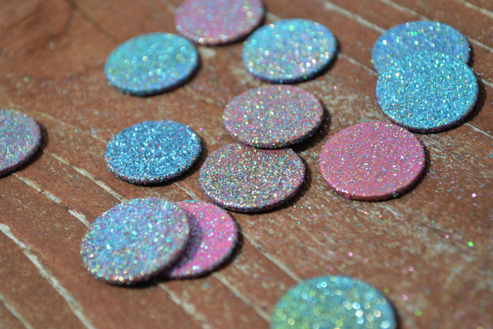 Glittery DIY tooth fairy coins - Mommy Scene