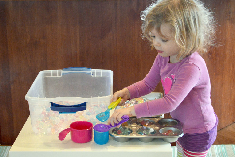 Kids can learn new sensory skills by playing with water beads - Mommy Scene