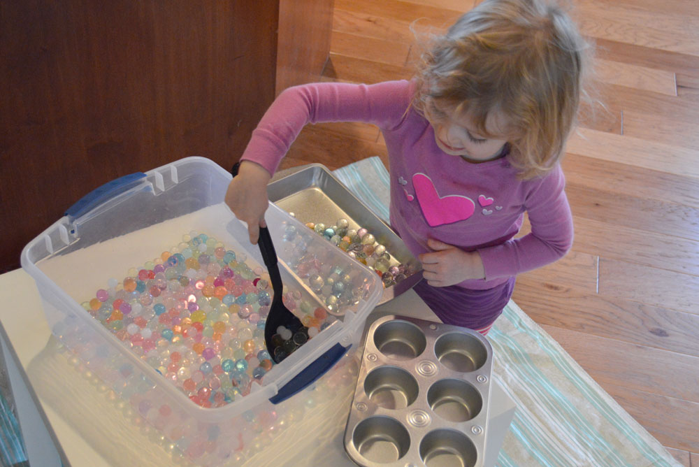 Playing with water beads kid's activity - Mommy Scene