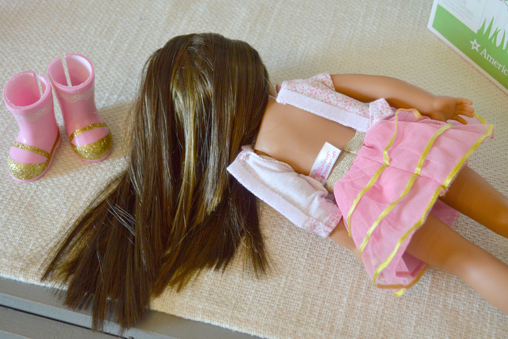 American Girl Wellie Wishers dolls are easy for little girls to dress themselves - Mommy Scene review