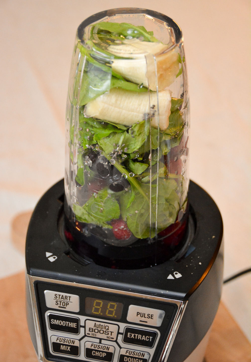 Easily make smoothies with the Nutri Ninja Nutri Bowl - Mommy Scene review
