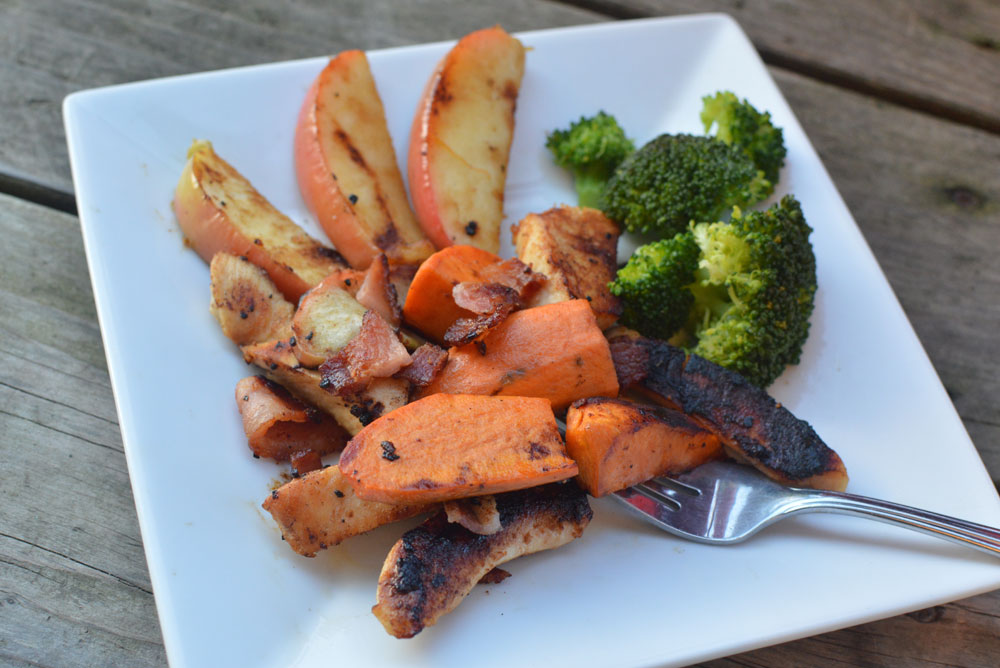 Chicken with apple slices and sweet potato - Mommy Scene easy meal