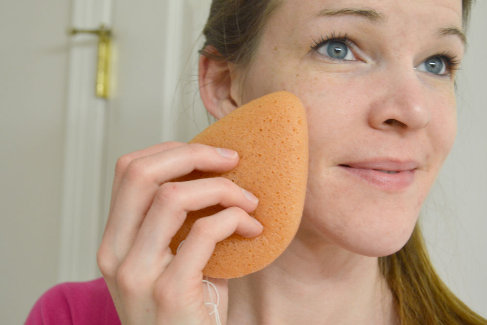 Dew Puff natural plant based sponges for washing your face - Mommy Scene