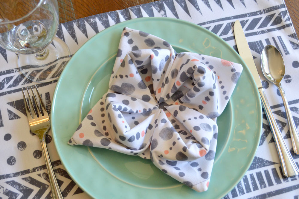 Cloth napkin flowers and handmade napkins from Wolf and Irving - Mommy Scene