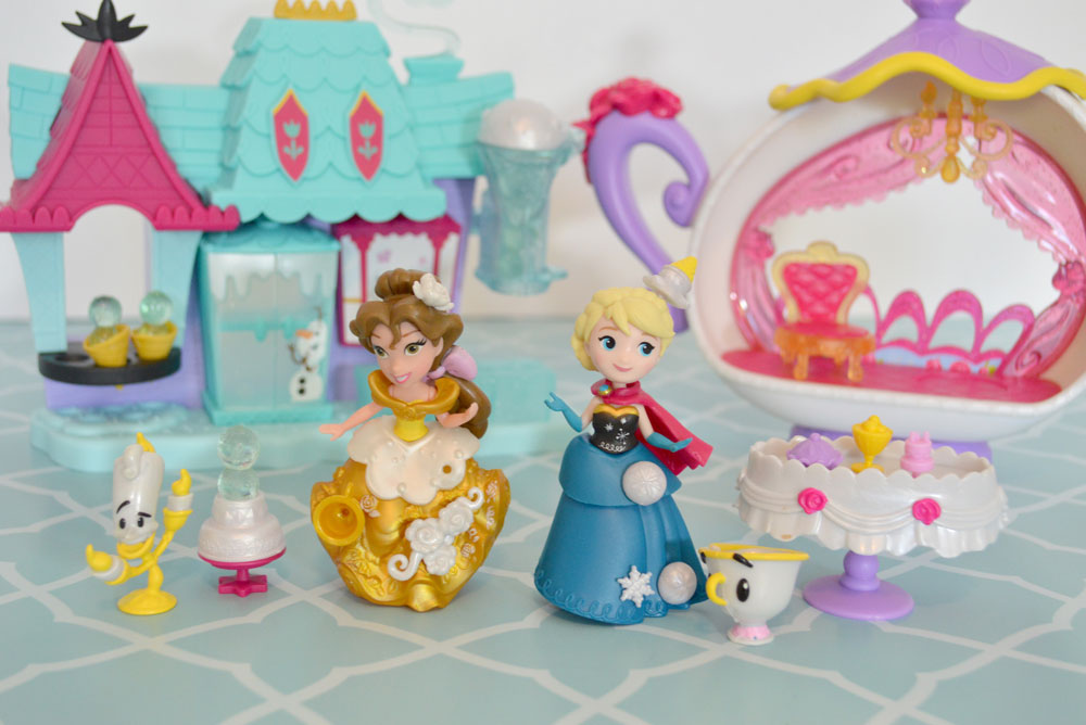 Elsa and Anna Little Kingdom playsets