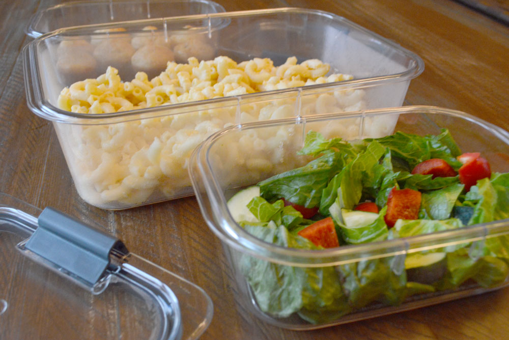 Rubbermaid BRILLIANCE food storage containers for meal prep and leftovers - Mommy Scene
