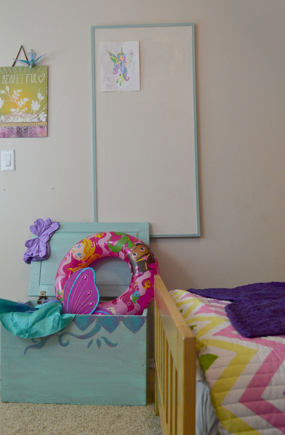 Kids Mermaid themed bedroom and DIY cork board - Mommy Scene