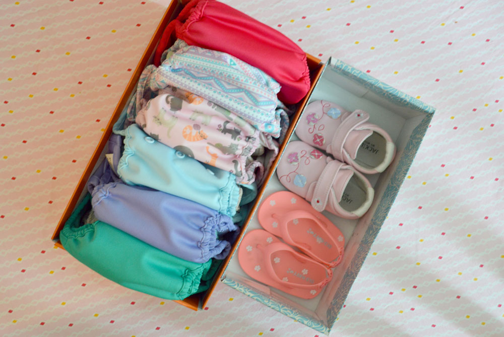 Reuse shoe boxes to organize your closet - Mommy Scene