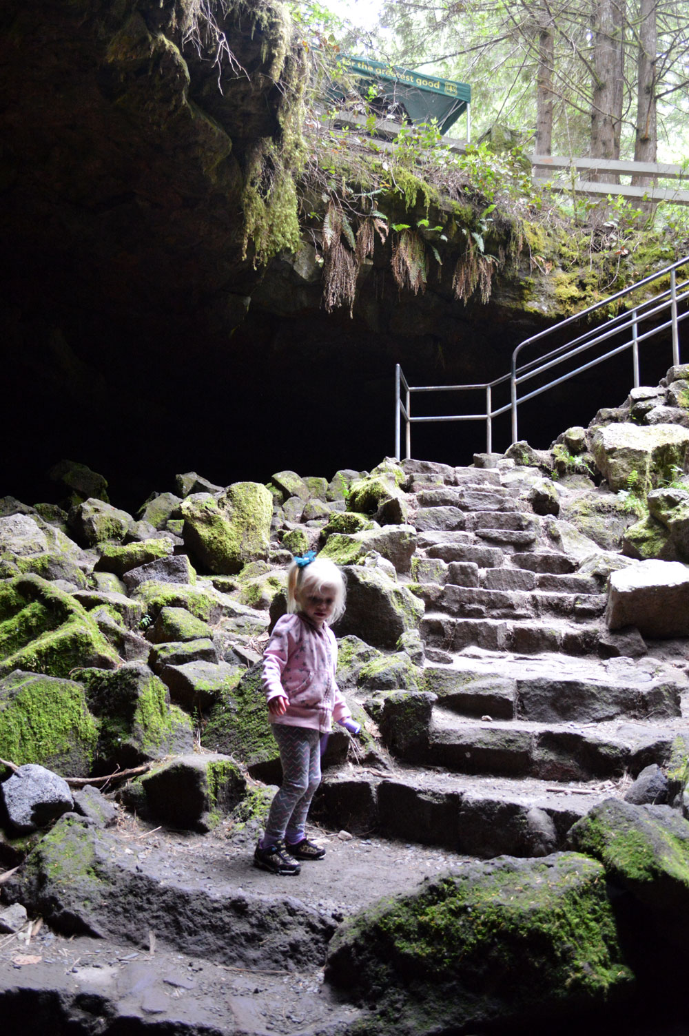 Ape Cave family hike and travel destination in Washington state - Mommy Scene